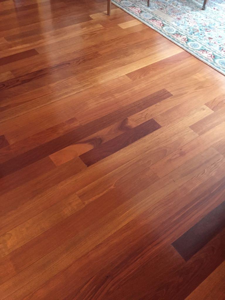 How to clean wood floors. Bona floor restore and cleaner.