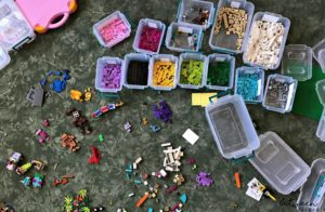 How to organize your Legos. Drowning in Legos? Organize and Make 'Em Fun Again. Are your kids frustrated by that large bucket of Legos? Do they find it hard to find the pieces they need? Color-coordinate and the classic toy will be their favorite again.