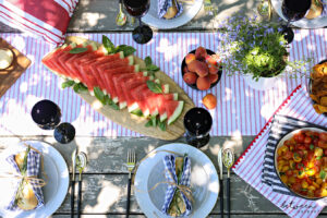 Hosting a BBQ? Add Beauty and Color to Your Table with This Inspiration